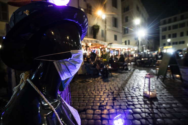 A Itália contava este domingo com 36.543 mortes em 414.241 casos de infeção pelo novo coronavírus
