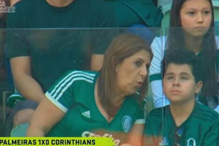 Sílvia relata o jogo do Palmeiras ao filho Nicolas