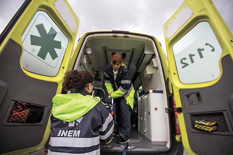 52 ambulâncias do INEM paradas devido a problemas técnicos