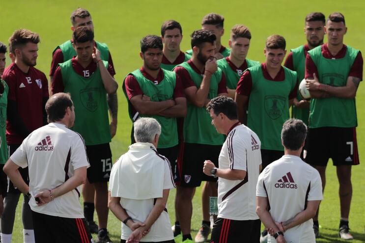 Treinador do River Plate divulga onze para a final com Jorge Jesus