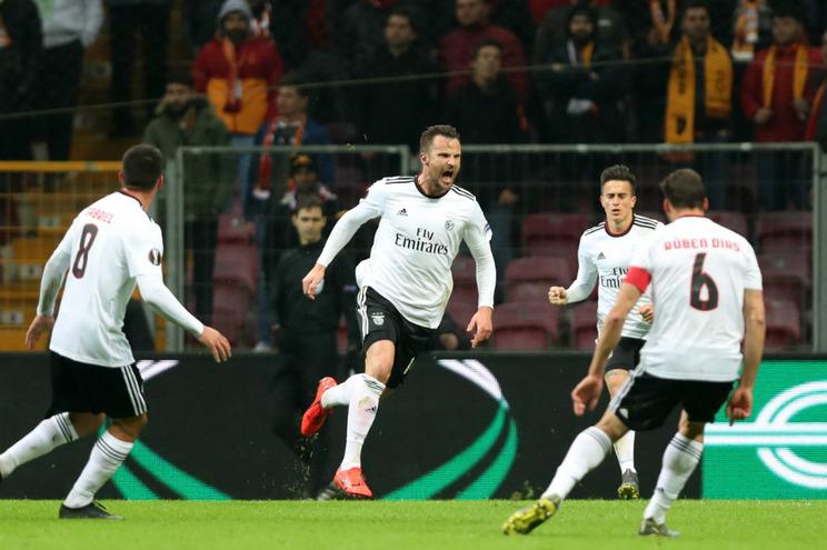 Reveja o comentário da vitória do Benfica por 2-1 ao Galatasaray