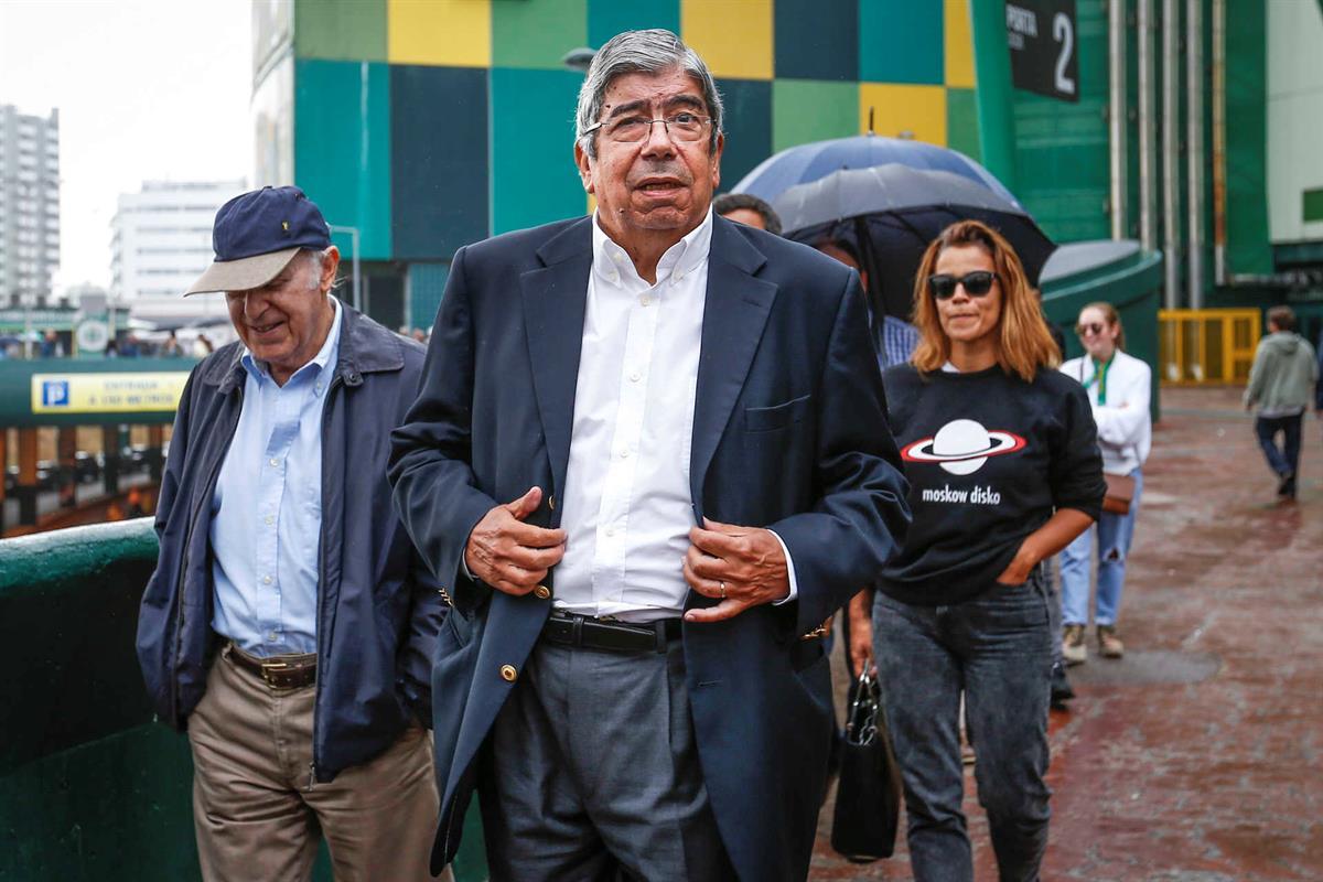 Presidente da Assembleia da República e sócio do Sporting, Ferro Rodrigues à chegada para a votação dos