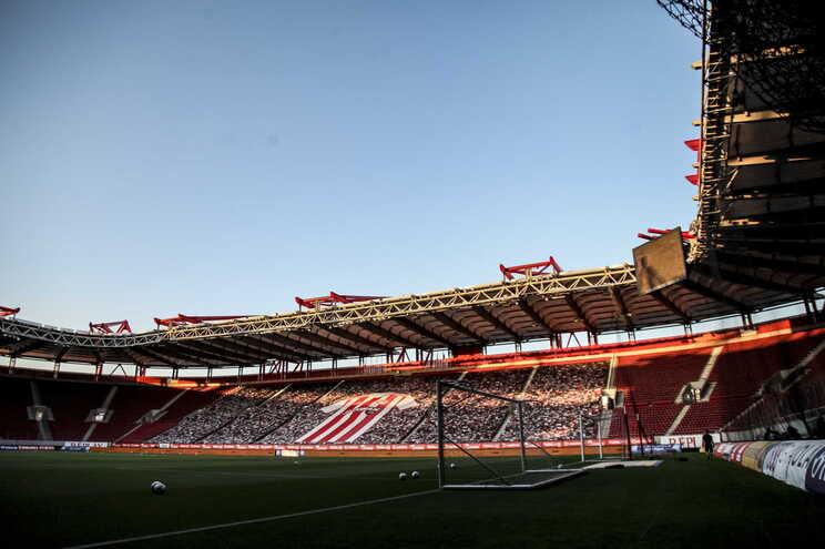 Olympiacos perdeu em casa com o PAOK