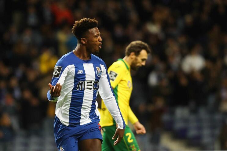 Zé Luís apontou o golo da noite e ajudou o F. C. Porto