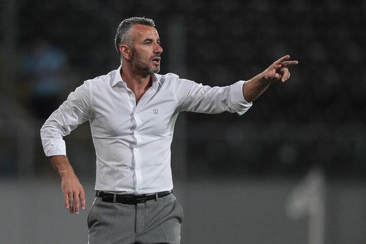 """Ivo Vieira promete """"trabalho árduo"""" para o Vitória crescer nas provas europeias"""