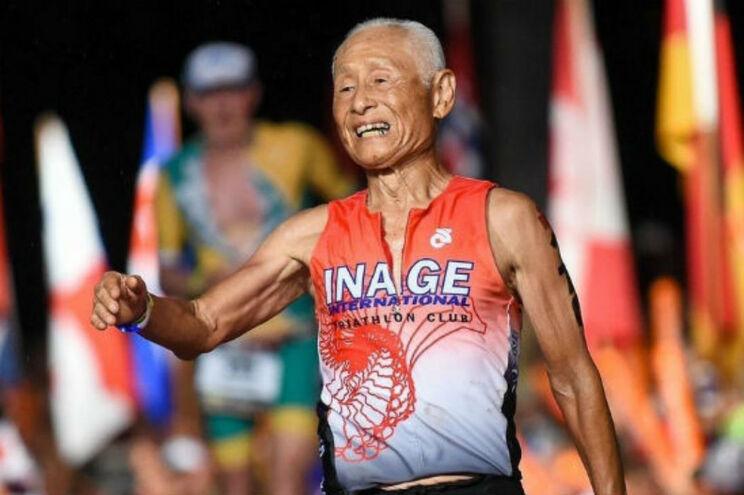 Fez o que nunca foi feito: completou prova de Ironman aos 85 anos