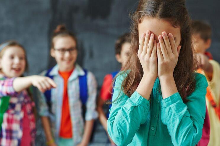 Ministério lança plano de combate ao bullying e ciberbullying nas escolas
