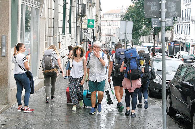 Espanha e Irlanda arrecadam impostos  da Airbnb em Portugal