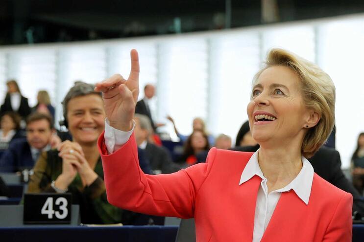 Aprovada Comissão Europeia de Von der Leyen