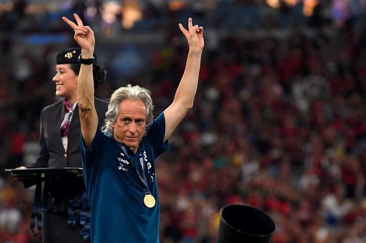 """Presidente do Flamengo trata Jesus por """"Messi dos treinadores"""" e fala da renovação"""