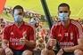 Zivkovic publica foto ao lado de Weigl e mostra ferimentos