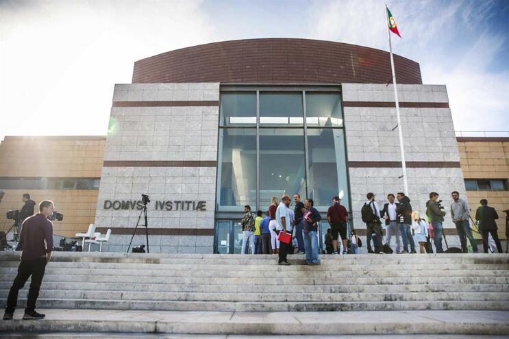 Rosa confrontada com contradições sobre o dia da morte de Luís Grilo