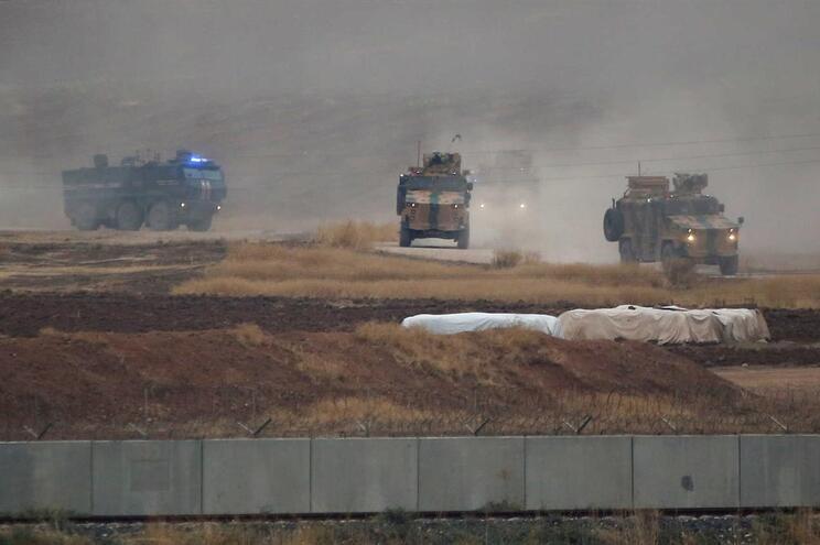 Tel Abiad foi tomada por forças turcas na ofensiva lançada a 9 de outubro contra as milícias YPG