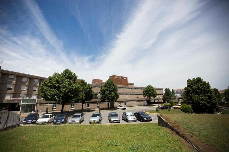 Hospital de Vila Real averigua morte de mulher durante o parto