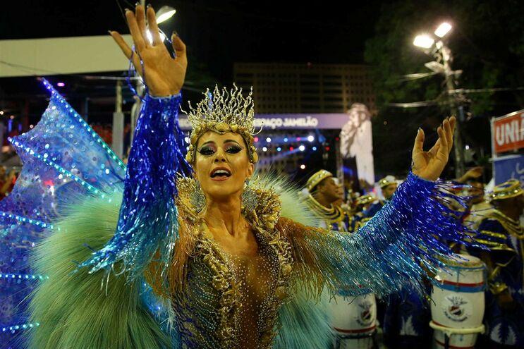 Rio de Janeiro adia Carnaval de 2021 indefinidamente