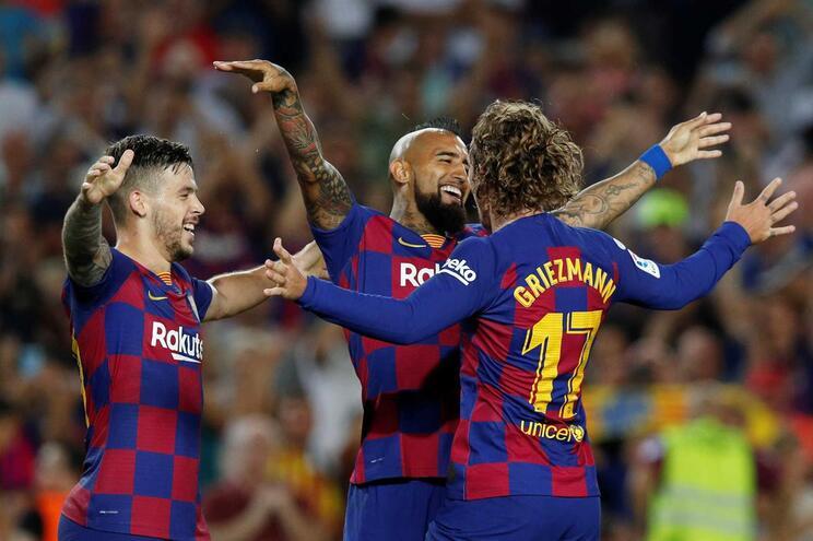 Barcelona dá a volta e acaba a golear o Betis