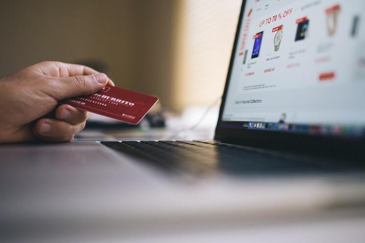 Compras online com novas regras em 2021. Saiba o que vai mudar