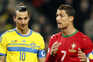 Ibrahimovic a pés juntos sobre Cristiano Ronaldo