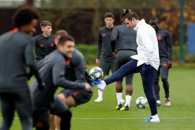 Frank Lampard, treinador e antiga glória do Chelsea