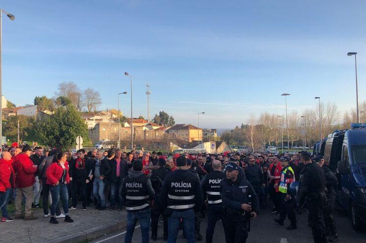 O JN acompanhou os adeptos para assistir ao jogo F. C. Porto - Benfica