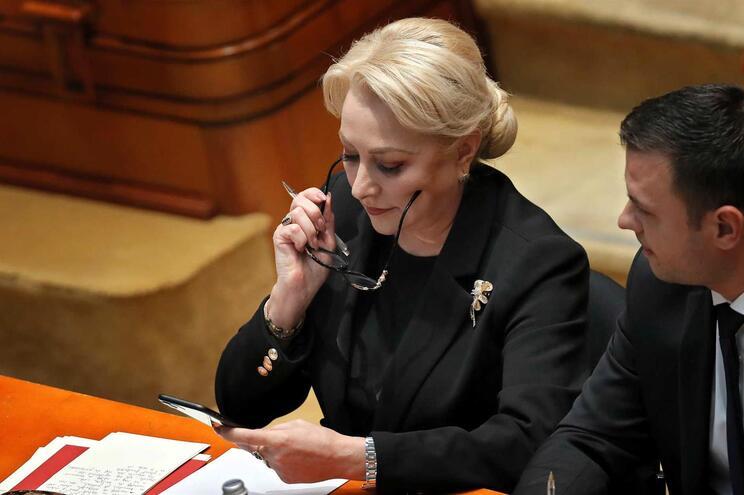 Governo social-democrata romeno derrubado no parlamento