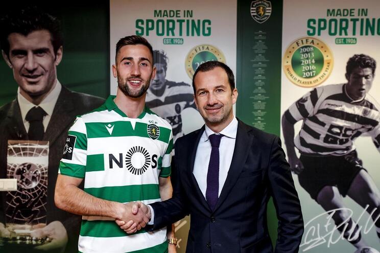 Sporting oficializa reforço
