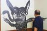 Pintor Agostinho Santos foi à procura de um rosto para o novo coronavírus