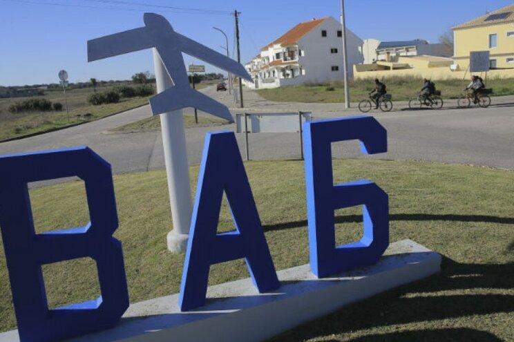 Base Aérea n.º 6, no Montijo, que será adaptada para a aviação civil caso aí avance a construção do novo
