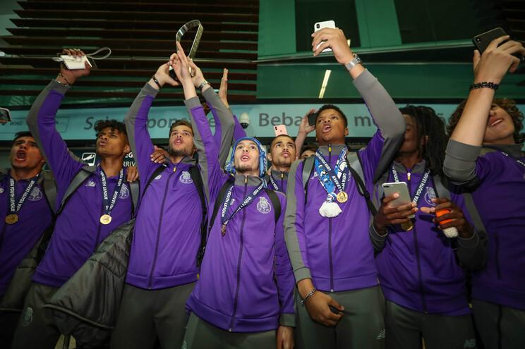 Campeões da Youth League recebidos na Câmara do Porto