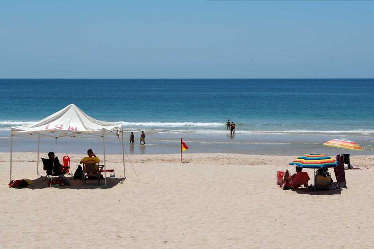 Algarve foi incluido nos destinos que necessitam de vigilância ativa no regresso à Bélgica