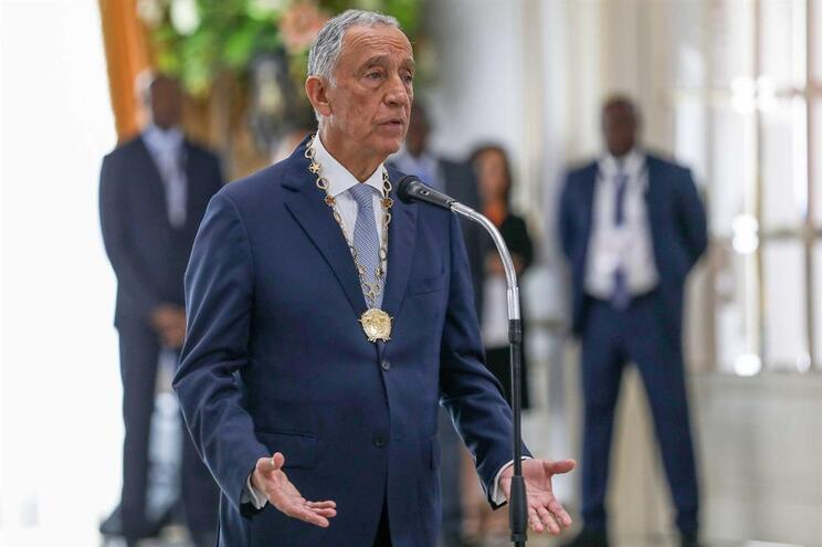 """""""Estamos condenados a sermos irmãos"""", diz Marcelo em visita a Angola"""