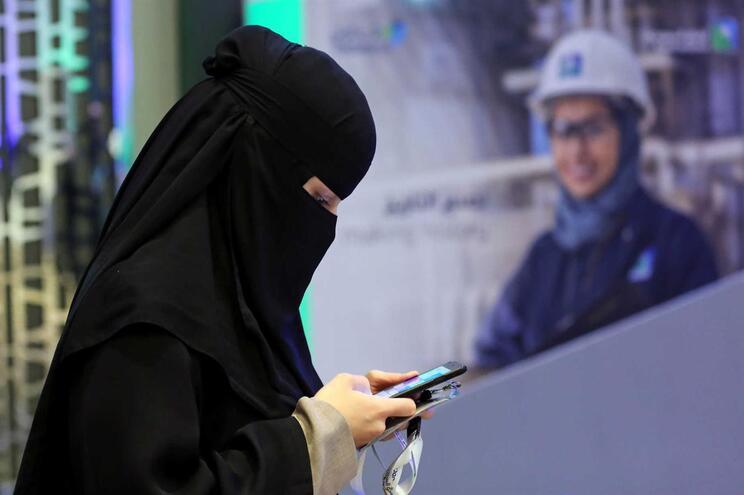 Sem Gboard, utilizadores não conseguem enviar SMS ou usar as redes sociais