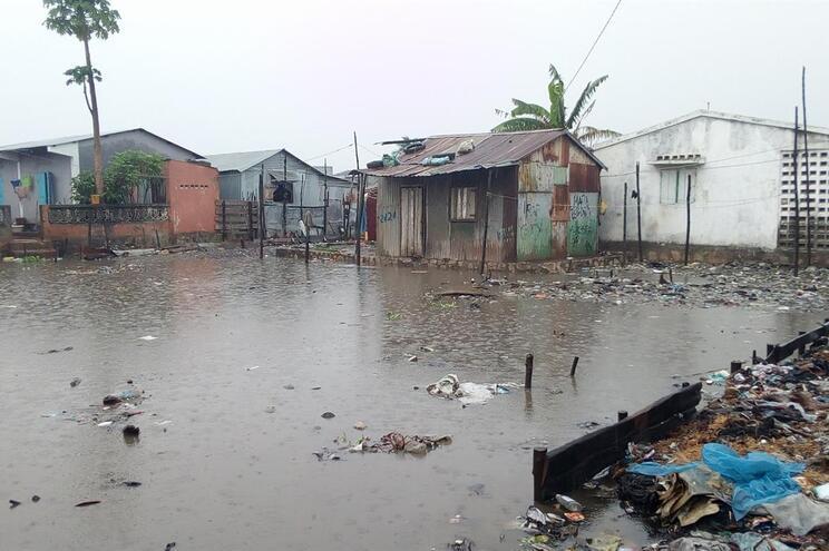 Pelo menos dois mortos e 1400 desalojados após ciclone em Madagáscar