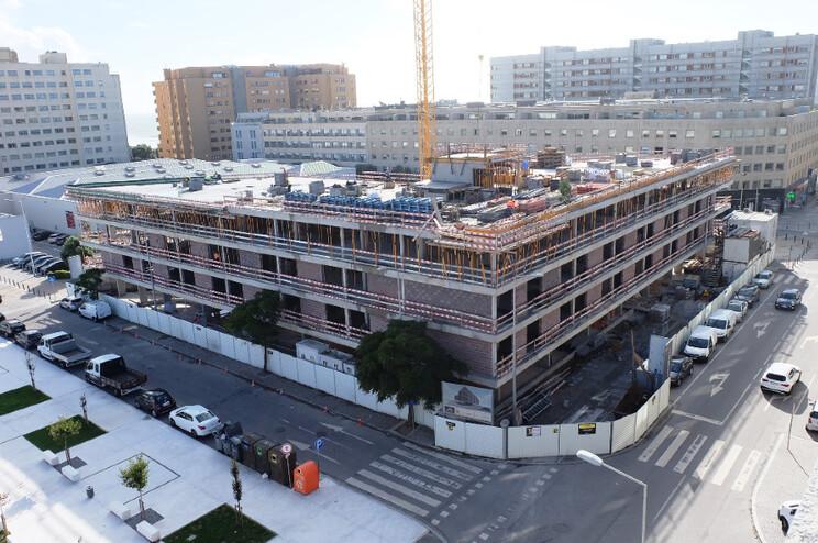 Futuro aparthotel terá 108 apartamentos e contará com restaurante, esplanada e ginásio