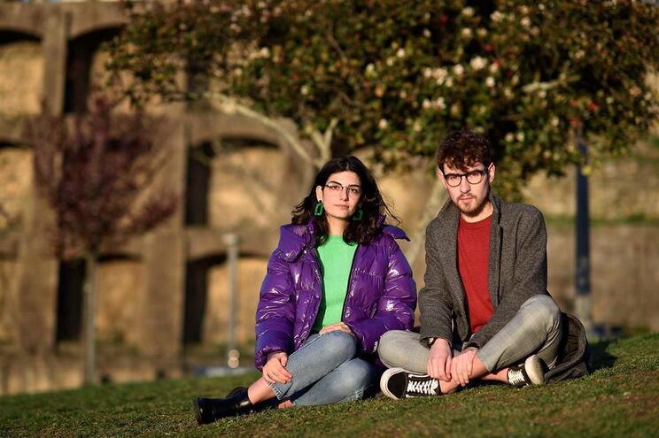 Bárbara Pereira e David Amorim, organizadores da manifestação no Porto