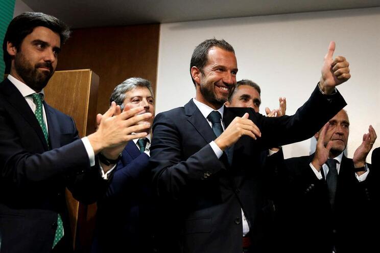 Francisco Salgado Zenha - à direita - vice-presidente do Sporting para a área financeira