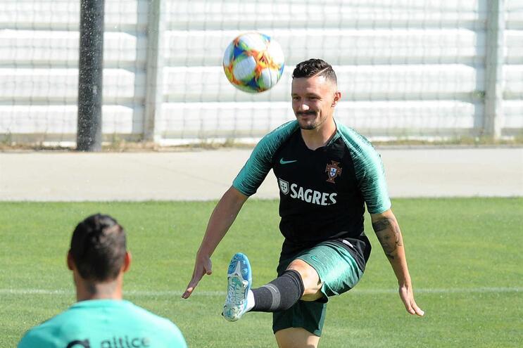 Mário Rui (Nápoles) já chegou lesionado à seleção