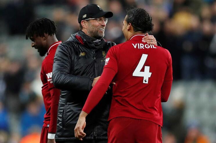 """Jurgen Klopp assegura que Salah """"está bem"""""""