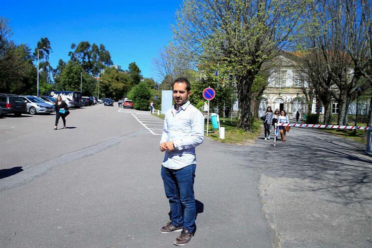 João Pedro Videira, presidente da Federação Académica do Porto, nos terrenos da Universidade Lusíada