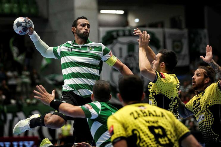 Reação leonina vale empate na Liga dos Campeões de andebol