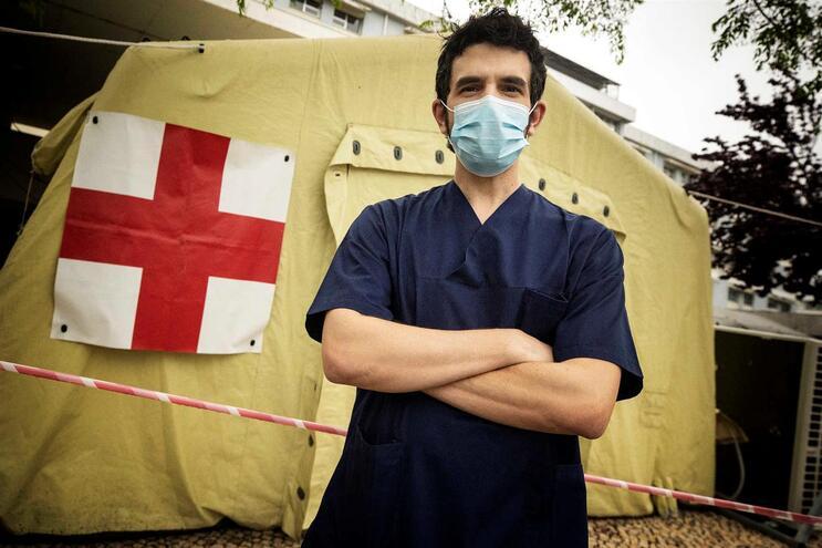 O médico Jorge Velez