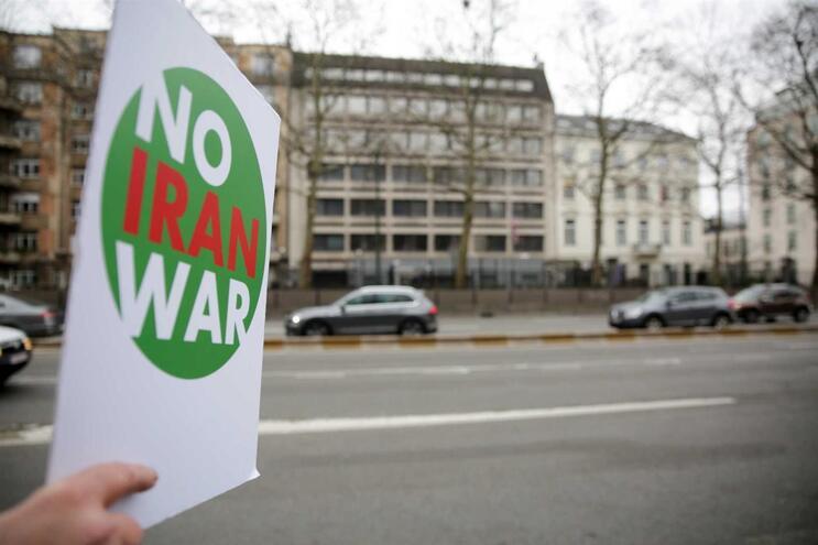 Irão convoca encarregado de negócios alemão para protestar