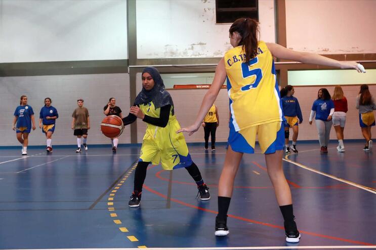 Fatima Habib continua a treinar em Tavira e vai a jogo, frente ao Ferragudo
