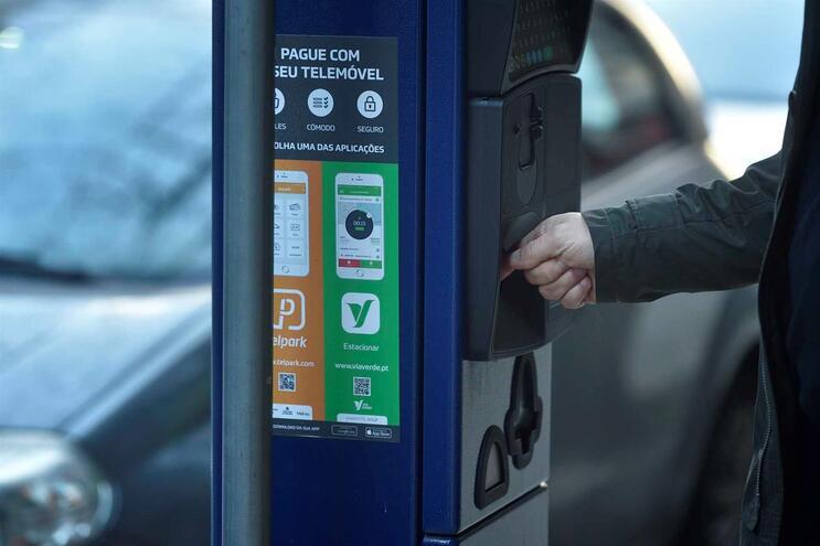 Estacionamento volta a ser pago no Porto de forma faseada