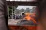 Ponte fronteiriça onde os carregamentos com ajuda humanitária foram incendiados