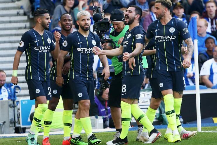 Manchester City sagra-se bicampeão inglês