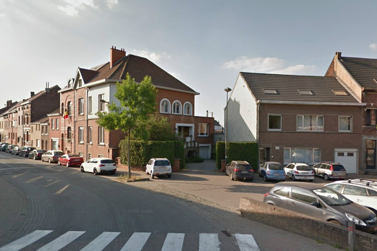Rua Stationsstraat, na cidade belga de Beersel, onde o casal vivia