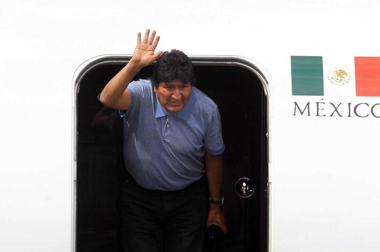 Ex-presidente da Bolívia receberá estatuto de refugiado na Argentina