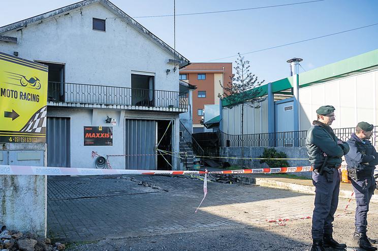 Oficina ficou destruída     (Rui Manuel Fonseca / Global Imagens)