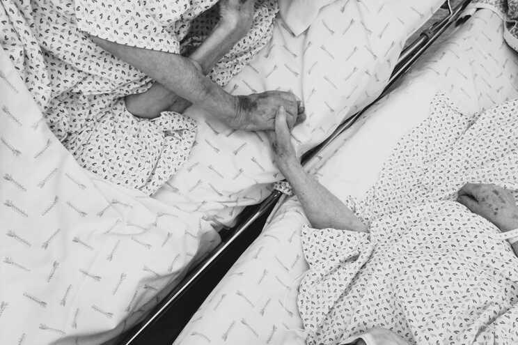 Casal internado com covid-19 no Hospital Pedro Hispano pôde passar os últimos momentos de vida junto